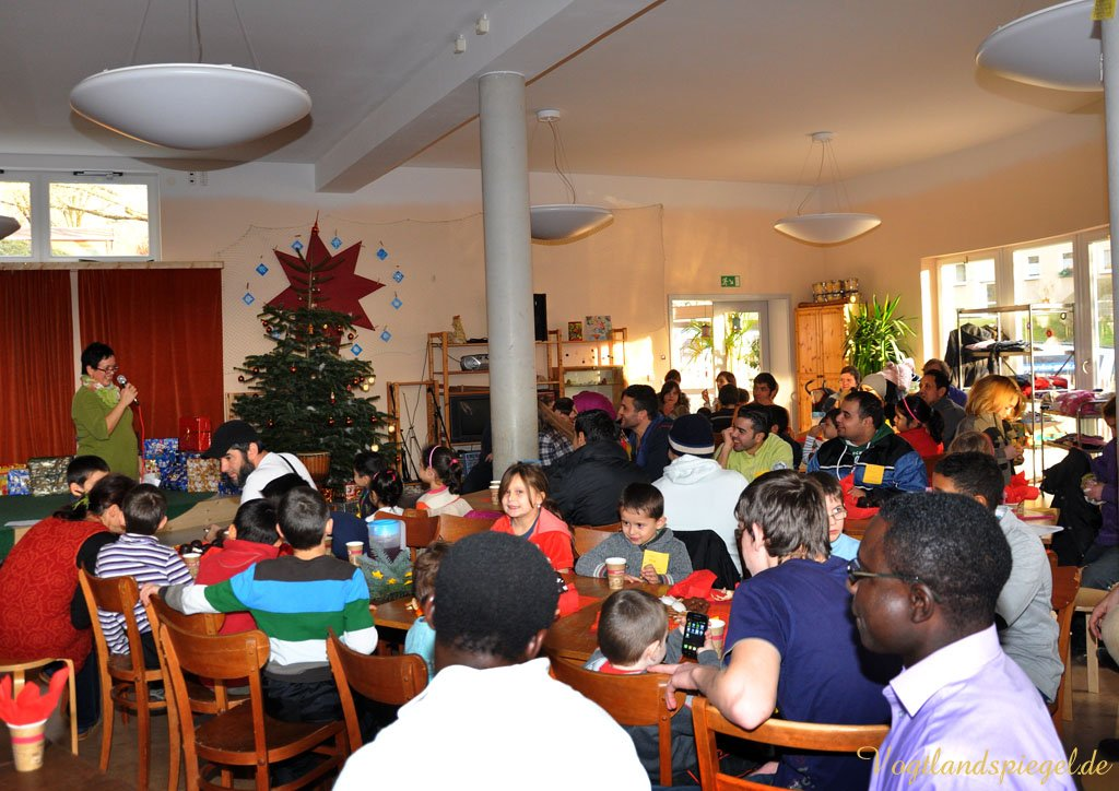 Große Weihnachtsfeier mit Greizer Asylbewerberkindern in der Freie Schule Elstertal