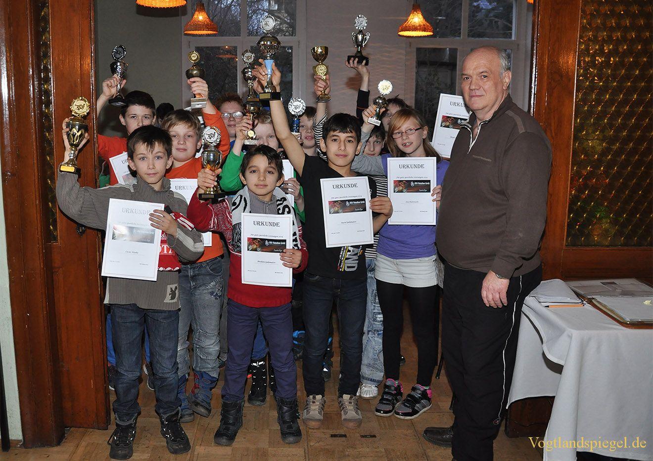 Ringen: Jüngste Sportler werten bei Weihnachtsfeier Wettkampfjahr aus